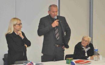 Philippe Gleizes entre la nouvelle Présidente et Robert Montoya